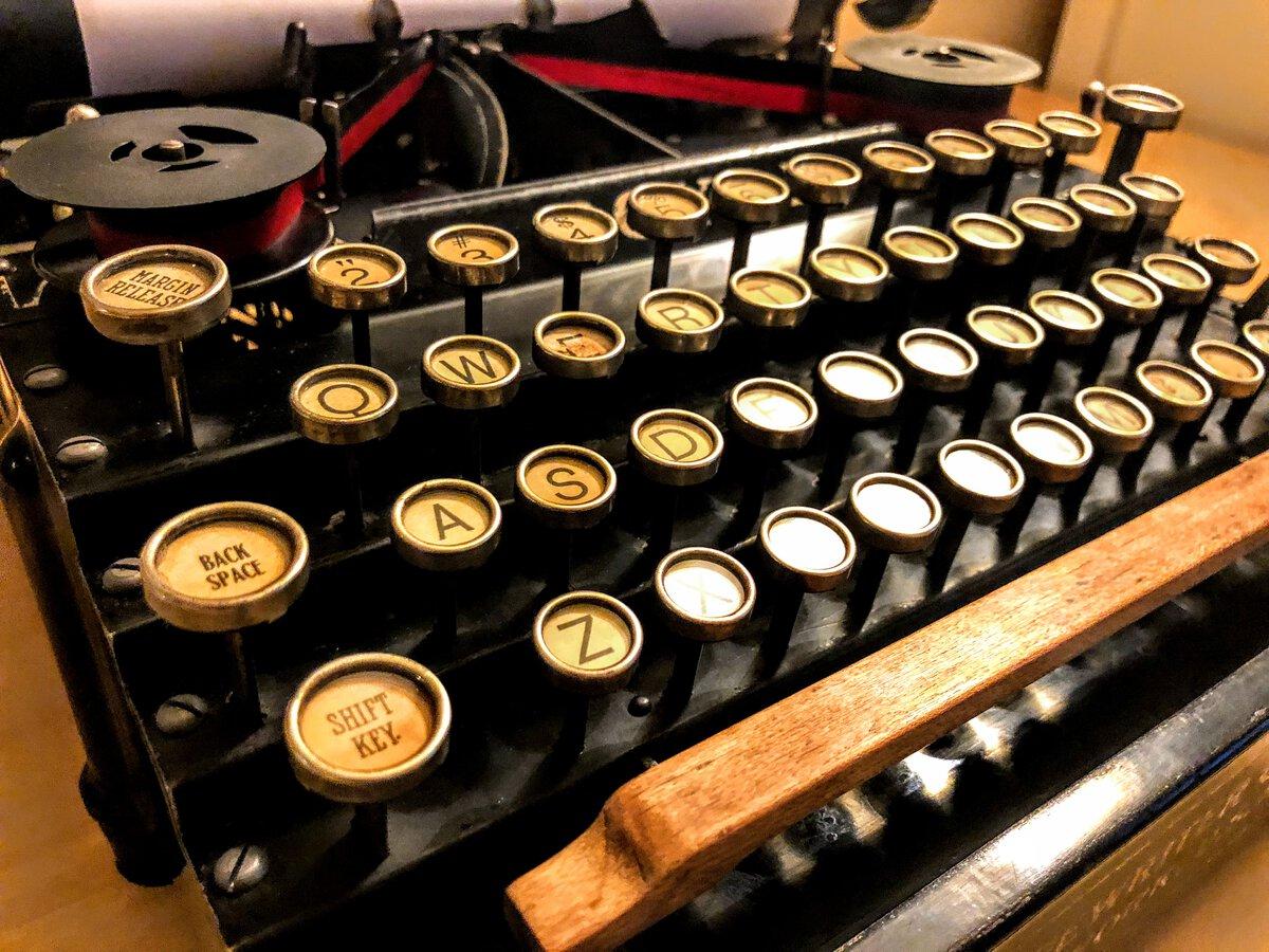 The Royal 5 keyboard